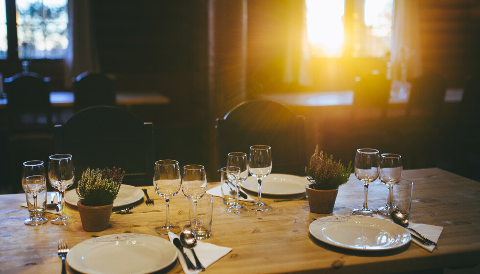 GOD MAT: På Kobberhaughytta kan du både sove godt og spise god, lover DNT. FOTO: DNT/Marius Dalseg Sætre