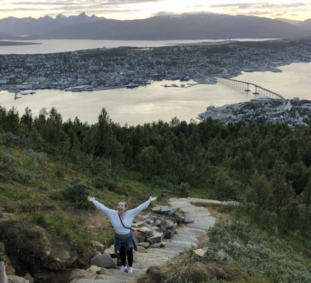 MEKTIG NATUROPPLEVELSE: Sherpatrappa opp til Fjellheisen i Tromsø har over 1000 trappetrinn, og en formidabel utsikt underveis. FOTO: Privat