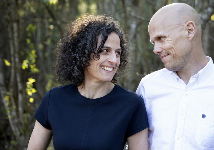 <strong>MODERNE STORFAMILIE:</strong> Siri Gjelsvik og Øystein Østraat har tilsammen seks barn og har skrevet bok om livet i bonusfamilien. FOTO: Paul Audestad