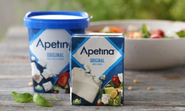 MILD OG RUND: Apetina White Cheese er en selvsagt ingrediens i Trines sommersalat. Foto: Trine Sandberg
