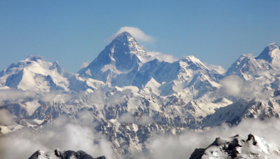 <strong>KREVENDE OG FARLIG:</strong> K2, som er en del av Karakoram-fjellkjeden mellom Pakistan og Kina, blir ansett som en svært krevende topp å nå. Det var hit Cecilie Skog, ektemannen Rolf Bae og flere andre nordmenn forsøkte å bestige i 2008. FOTO: NTB scanpix
