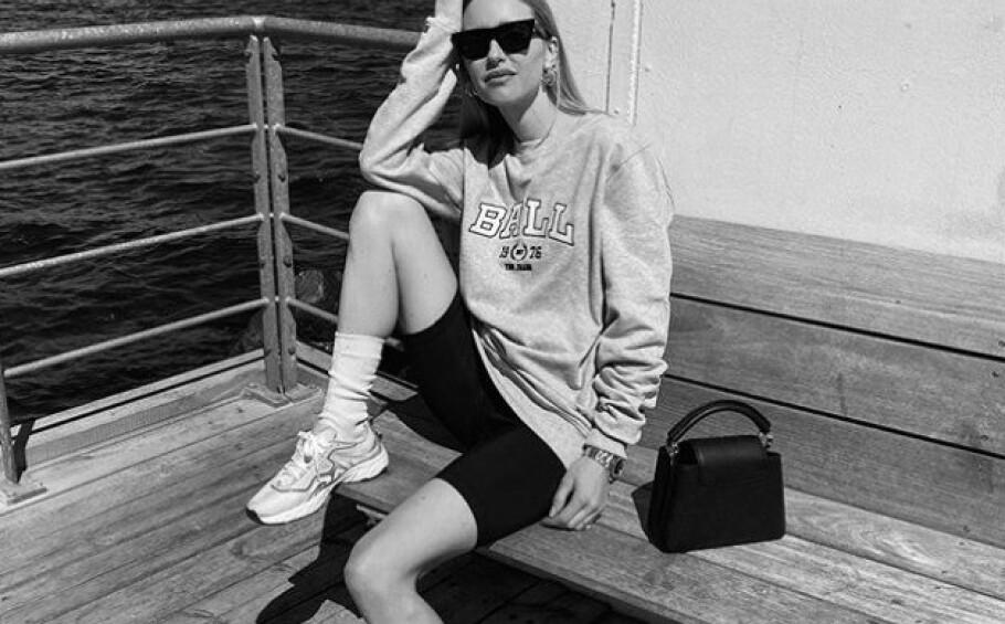 <strong>BALL GJØR COMEBACK:</strong> Nylig la moteprofilen Pernille Teisbæk ut dette bildet iført en av 80-tallets mest populære gensere. Foto: Skjerdump fra Instagram @pernilleteisbaek