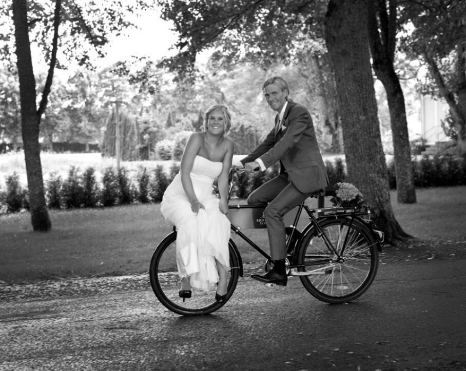 JA! Martine og Bjørn Einar giftet seg på en slott i Sverige i 2011. FOTO: Frank Sandbye Ruud/Privat