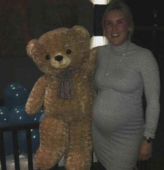 <strong>BABYSHOWER:</strong> Martine gikk stadig lenger over tiden med Fiona, og til slutt ba hun om å få fødselen satt i gang. FOTO: Privat