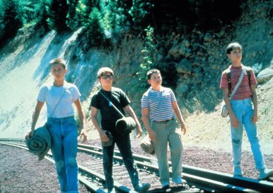PÅ DRIFT: River Phoenix i filmen Stand by Me, sammen med Corey Feldman, Jerry O'connell og Wil Wheaton. FOTO: NTB Scanpix