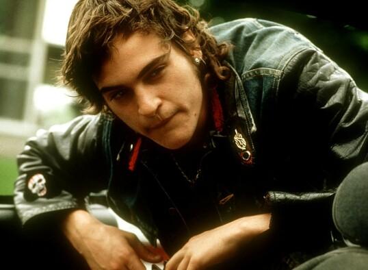 UNG STJERNE: Joaquin Phoenix gikk i brorens fotspor og er i dag en av Hollywoods store stjerner. Her fra filmen «To Die for» i 1995. FOTO: NTB Scanpix