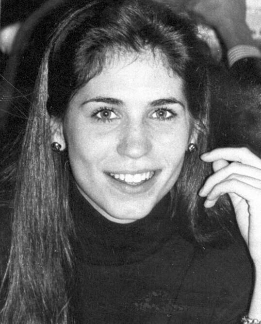 <strong>OMKOM:</strong> Carolyns storesøster Lauren Bessette ble bare 34 år. Hun døde også i flyulykken, og etterlot seg tvillingsøsteren Lisa. FOTO: NTB scanpix
