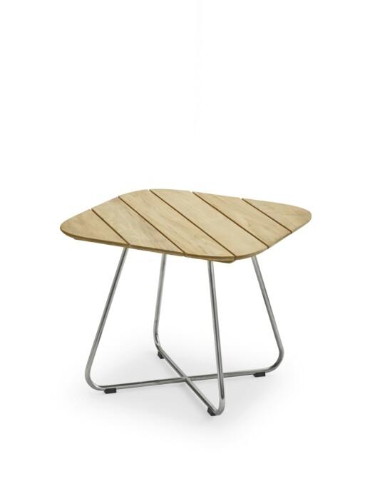 Hagebordet «Lilium» med bein i rustfritt stål (kr 6100, Skagerak).