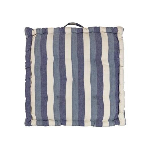 Stripete pute, «Ava», 50 × 50 cm (kr 630, Broste Copenhagen).