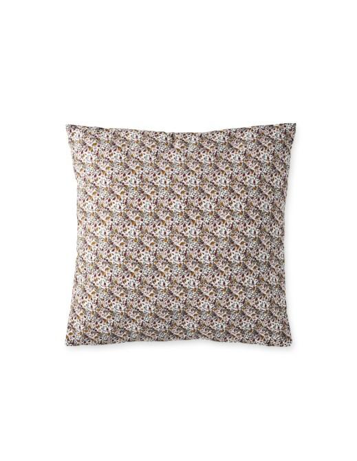 Mønstrete pute i bomull, 45 × 45 cm (kr 70, Søstrene Grene).