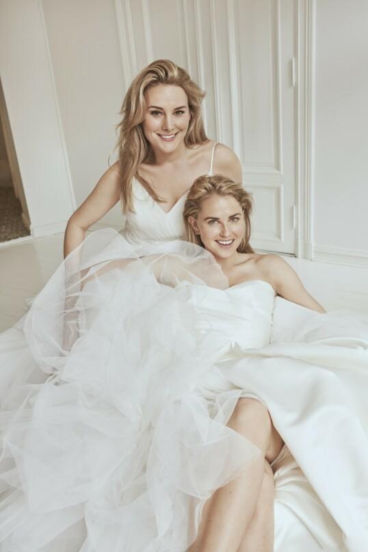 De har bestemt   seg for at de ikke får se hverandres kjoler før bryllupet. Brudekjoler fra   Diin Brud & Selskap. FOTO: Janne Rugland