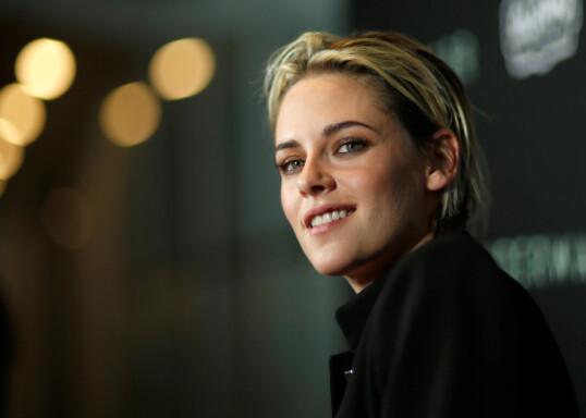 <strong>SETT OPP TIL:</strong> Kristen Stewart under screeningen av filmen «Underwater» i 2020. FOTO: NTBScanpix