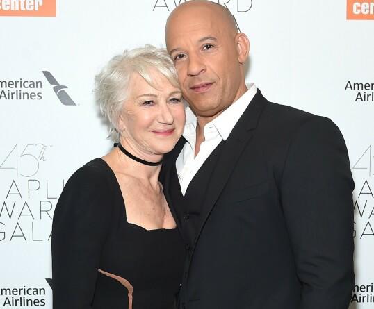 SAMMEN ... PÅ SCENEN: Helen Mirren og Vin Diesel på samme gala. Men et par er de ikke. FOTO: NTBScanpix