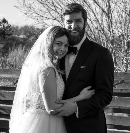 <strong>MANN OG KONE:</strong> 21. mars 2020, på hennes 29-årsdag, ble Anne Smidt og Franz Posch mann og kone. De var gift i litt over to måneder, før Anne sovnet inn 3. juni 2020. FOTO: Mads Due Egeslund