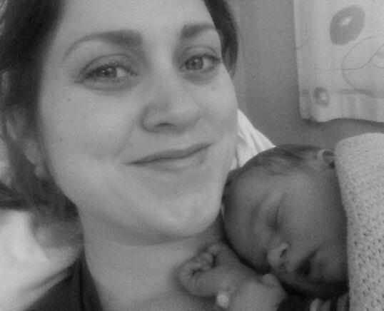 VILLE FØDE NATURLIG: Da Ingeborg ventet sønnen sin Sverre ønsket hun ikke at fødselen skulle settes i gang. FOTO: Privat