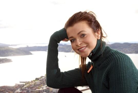 TURGLAD: Kristina er opptatt av at flere skal få oppleve Sunnmørsalpene. FOTO: Bent Are Sigvaldsen