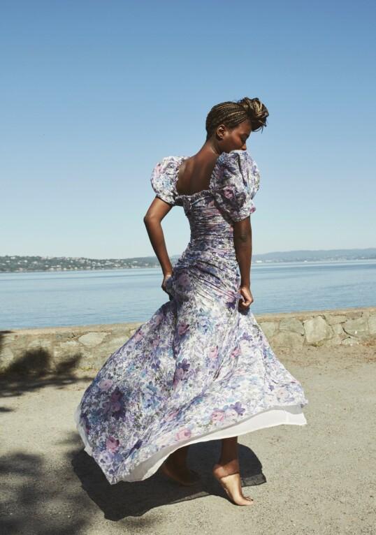 STERK: Erfaringen fra barndommen og ungdomstiden har gjort Tinashe Williamson til en sterk og grepa dame, som ikke er redd for å si høyt det hun mener. FOTO: Janne Rugland