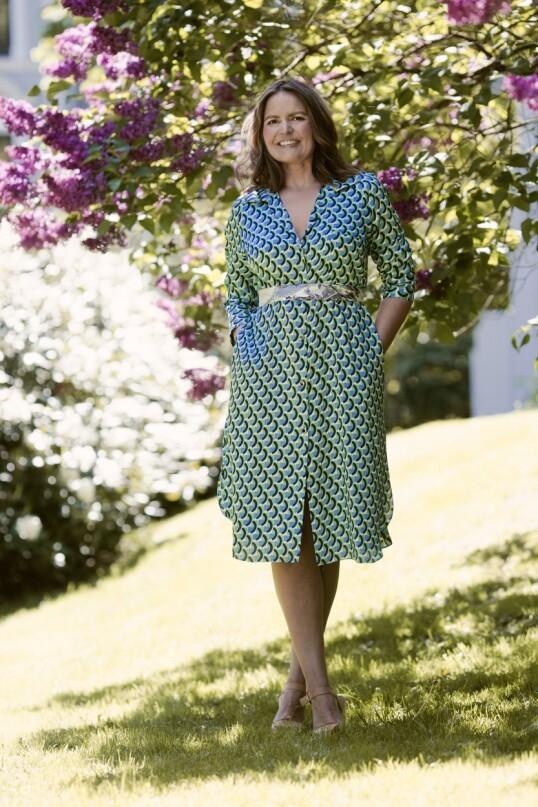 Kjole (kr 400, Zara) og vintagesjal brukt i midjen. FOTO: Astrid Waller
