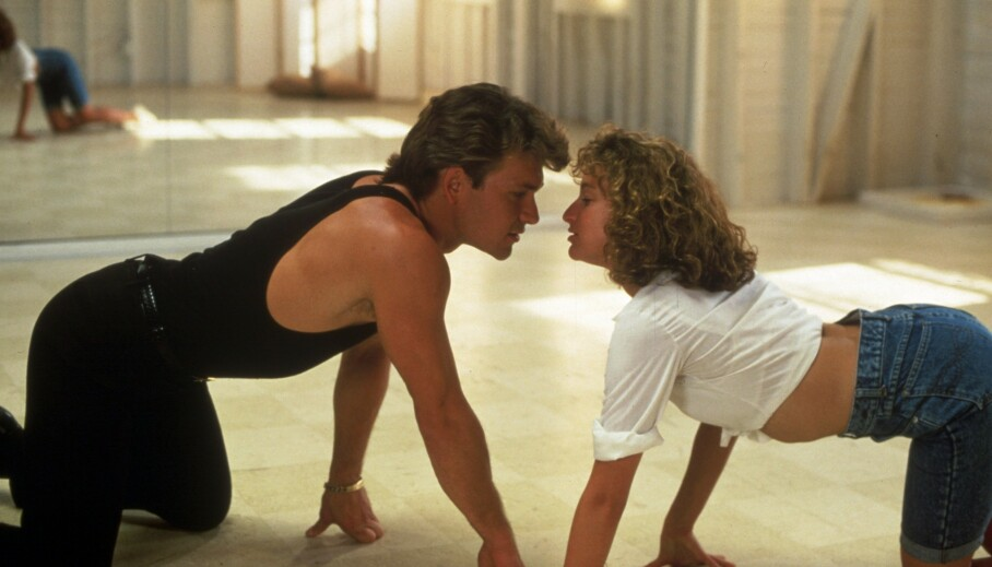DIRTY DANCING: Jennifer Grey (t.h.) skal være klar for ny Dirty Dancing-film. 33 år etter at originalen ble sluppet! Foto: NTB Scanpix