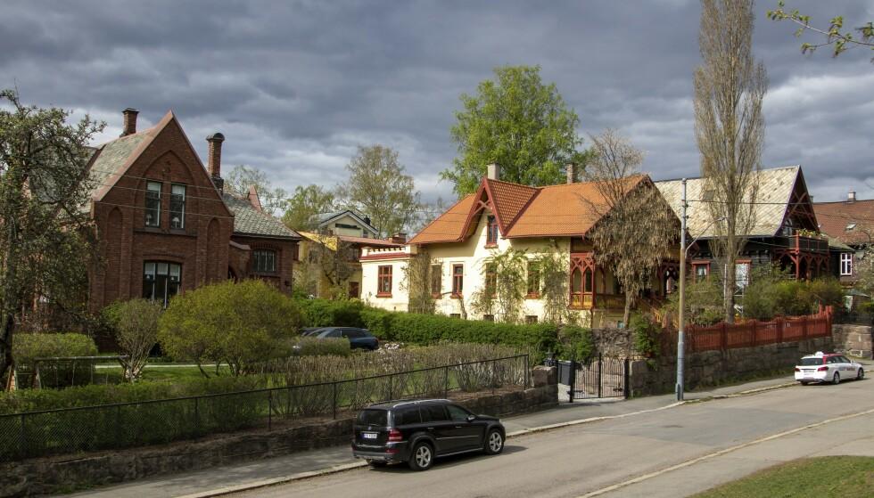 HERSKAPELIG: Fargerborg er et eldorado for de som liker å titte på gamle hus og bygninger. FOTO: Erik Valebrokk