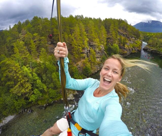 FLYVETUR: I Oppdal kan du teste zipline og ta en luftig selfie høyt til værs. FOTO: Toril Moland