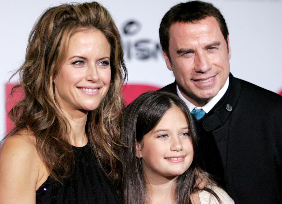 BRYSTKREFT: Etter en to år lang kamp mot brystkreft, døde nylig skuespillier Kelly Preston, kun 57 år gammel. Både ektemannen John Travolta og deres datter Ella Travolta har delt rørende innlegg i sosiale medier. FOTO: NTB Scanpix