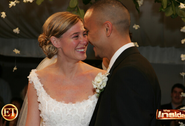 <strong>MANN OG KONE:</strong> TV-programmet Entertainment Tonight fikk eksklusivt dekke det kontroversielle bryllupet. FOTO: Scanpix