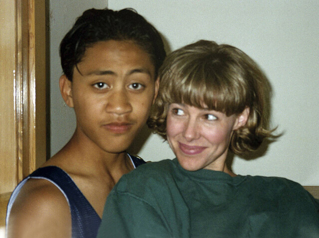 <strong>SELVUTLØSER:</strong> Vili Fualaau avbildet med Mary Kay Letourneau. Dette bildet skal ifølge amerikanske medier ha blitt tatt med selvutløser i 1996; da var Vili 13 år og Mary Kay 34 år. FOTO: Twitter