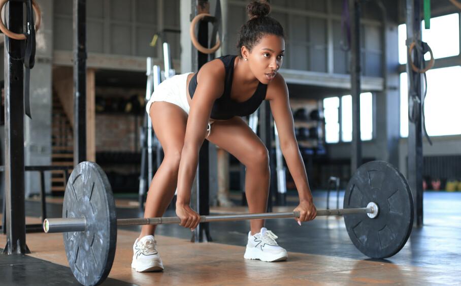 STYRKETRENING: Er løping best å gjennomføre før eller etter en styrketrening? Svaret får du under. FOTO: NTB scanpix