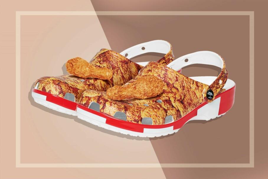 UTSOLGT: Disse Crocs og KFC-skoene er svært populære. Foto: KFC x Crocs