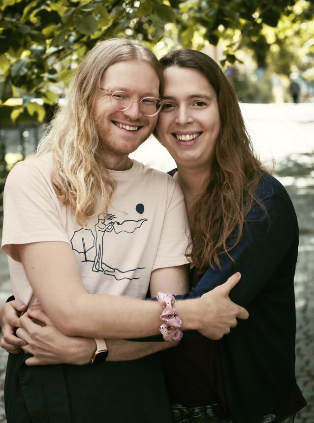 Dea-Renate og Torb vil formidle hvor godt de har det sammen, og gi håp til andre. FOTO: ASTRID WALLER.
