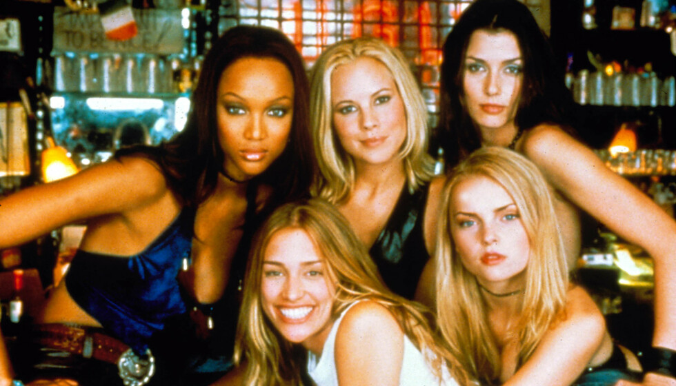 COYOTE UGLY: Tyra Banks (t.v.) hinter om at en oppfølger er på vei. Foto: Moviestore/REX (1544509a)