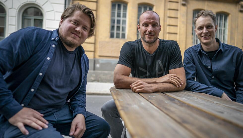 TEAMET BAK FILMEN: Aksel Lund Svindal er aktuell med kinofilmen Aksel, som har premiere i slutten av november. Filmen er regissert av kompisene hans Filip Christensen (t.v.) og Even Sigstad. FOTO: Heiko Junge / NTB scanpix