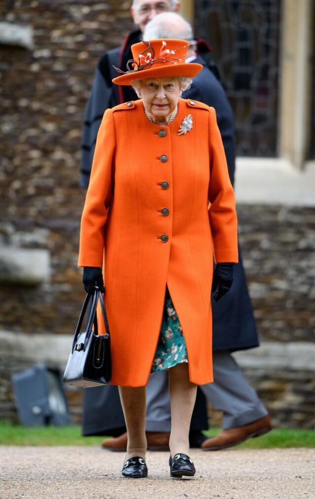 TIL INSPIRASJON: Dronning Elisabeth i livlig oransje, fotografert i romjulen 2018. Foto: NTB Scanpix