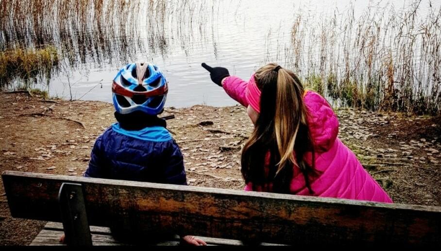 TRIVDES IKKE PÅ SKOLEN: Etter at de byttet skole har familien fått en ny og bedre hverdag. FOTO: Privat