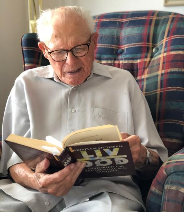 SPREK: 97 år gamle Torstein Axelsen har bevart sin gode fysikk og mentale helse. FOTO: Malini Gaare Bjørnstad