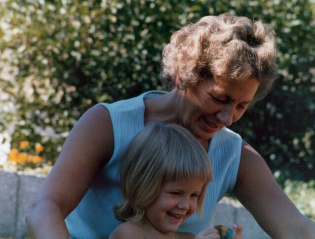 KJÆRE BESTEMOR: Linda mener det er viktig å forstå bestemorens valg som et resultat av omstendighetene - og tiden hun levde i. FOTO: Privat