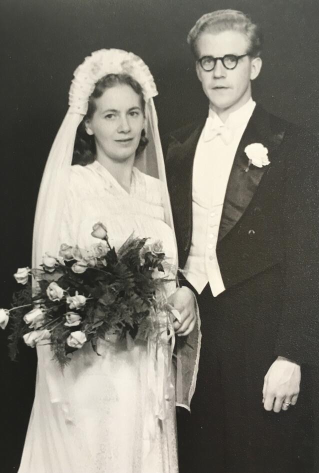 DET RETTE: Ifølge Linda var bestemoren allerede gravid i fjerde måned da hun og Hans giftet seg. FOTO: Privat