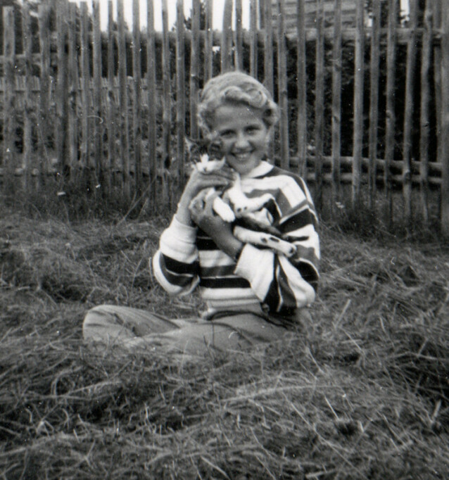 SKJØNN UNGDOM: Lindas mamma da hun var tenåring. FOTO: Privat