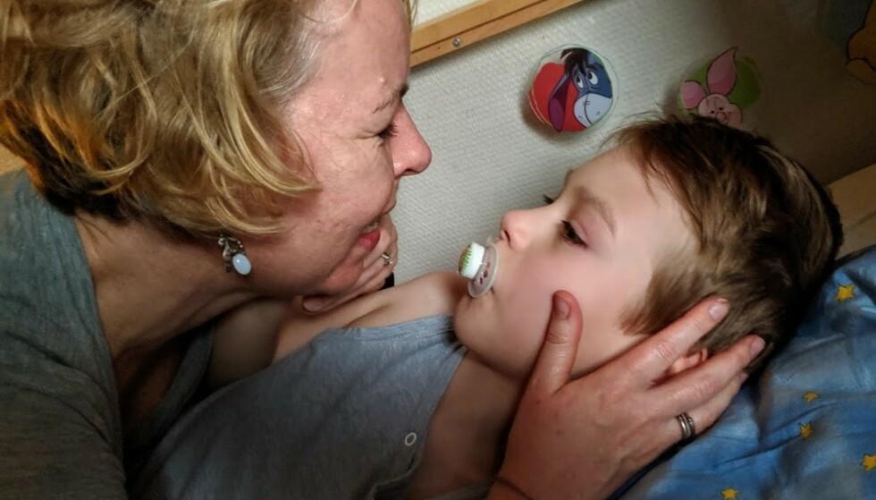FØDT MED SJELDEN GENFEIL: Først da Erik var to år gammel fikk foreldrene vite at han hadde en sjelden mutasjon på genet. FOTO: Privat