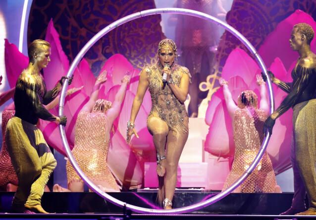 <strong>PLOMMEN I EGGET:</strong> Jennifer Lopez under Billboard Latin Music Awards i Las Vegas. Hun vokste opp langt fra glitter og stat. FOTO: NTBScanpix.