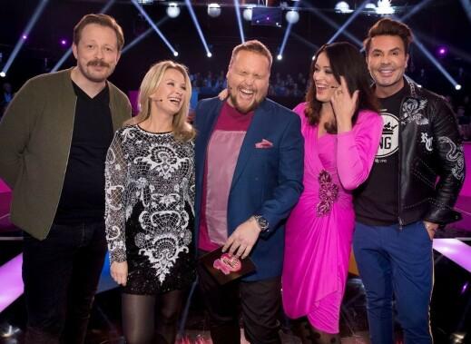 10 på topp på NRK i kjole fra 80-tallet kjøpt i LA