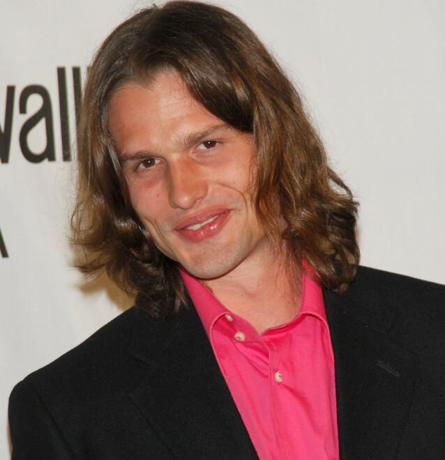 KJEKK KAR: Ursula Andress' sønn Dimitri Alexander Hamlin har jobbet som modell. Her under lanseringen av Roberto Cavalli Vodka i 2006 i Beverly Hills. FOTO: NTBScanpix.