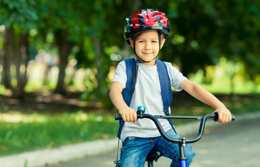 <strong>SYKLE OG GÅ TIL SKOLEN:</strong> Den svenske studien viste at barn som går eller sykler til skolen gjør det bedre og er i bedre humør. FOTO: NTB Scanpix