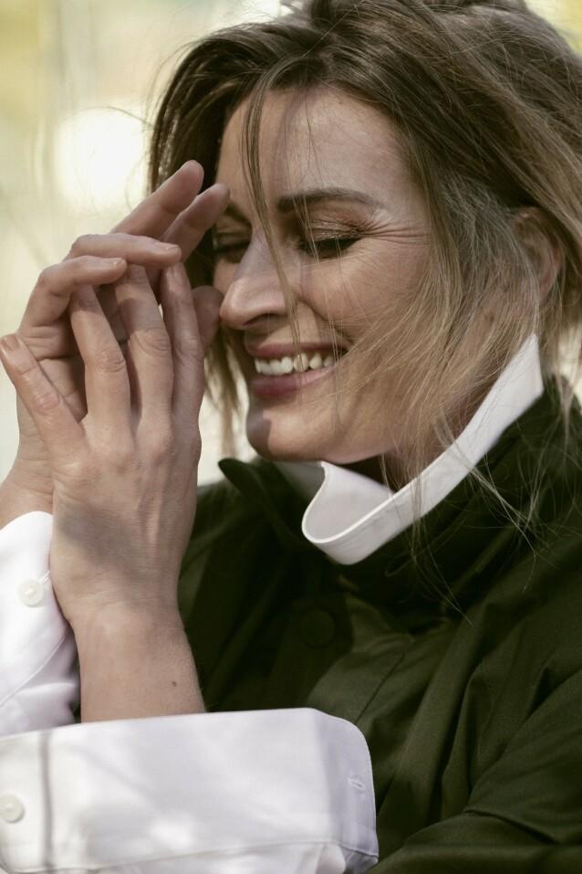 – Det er godt at det er litt rolig, så jeg bare kan kjenne etter hvem jeg egentlig er, sier Lise Karlsnes. FOTO: Astrid Waller