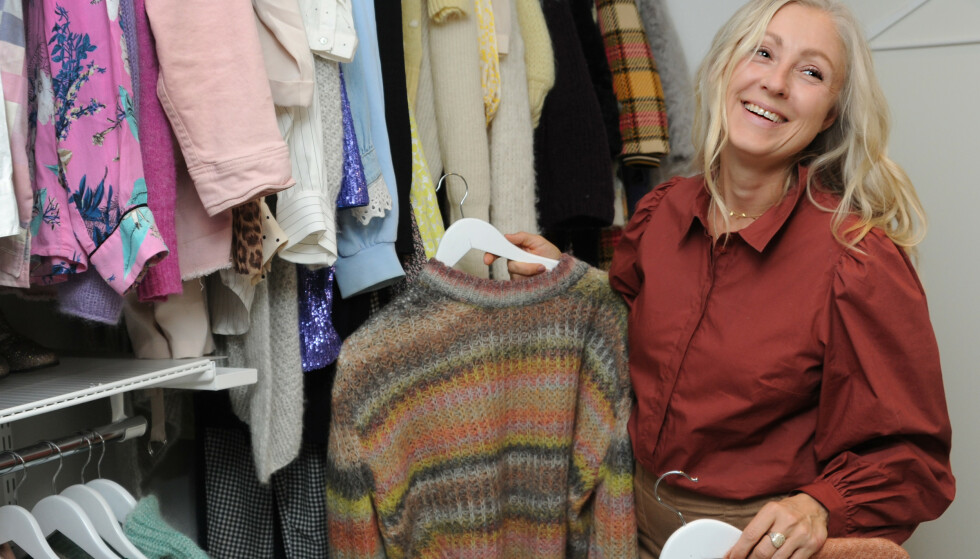 FULLT KLESSKAP: Line har solgt mange av klærne sine, men har fortsatt flere å ta av. FOTO: Marianne Otterdahl-Jensen