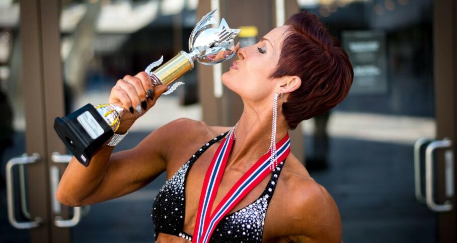 <strong>IMPONERER INNEN FITNESS:</strong> Anette Tollefsen har medaljer både fra NM og fra nordisk mesterskap i fitness. FOTO: Sigurd Håkon Øyvang