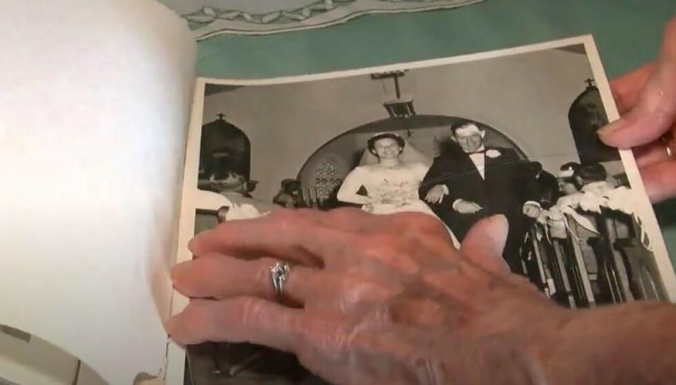 TOK NYE BILDER I ANLEDING BRYLLUPSDAG: Nå går de romantiske bildene av paret i 80-årene verden rundt. Foto: Skjermdump via Nebraska TV