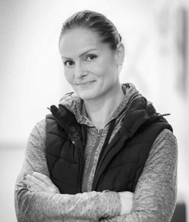 <strong>ØNSKER Å INSPIRERE:</strong> Fitness passer ikke for alle, men Anette håper hun allikevel kan inspirere andre kvinner til å komme i gang med styrketrening - selv om de har passert 40. FOTO: Sigurd Håkon Øyvang