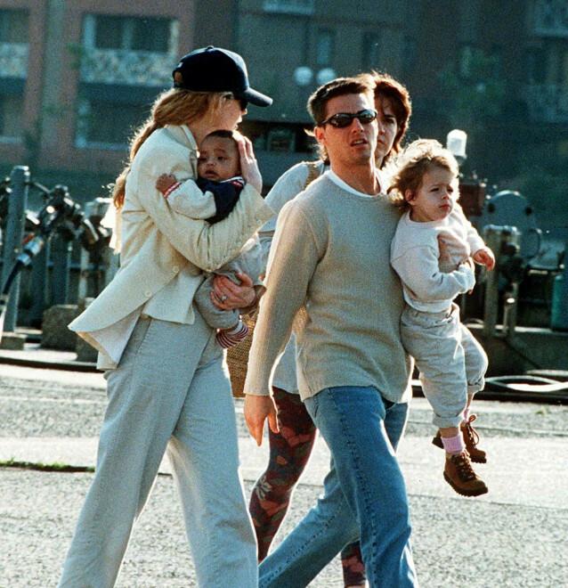 LYKKELIGE DAGER: Nicole Kidman og Tom Cruise, med barna Bella og Connor i 1995. FOTO: NTB